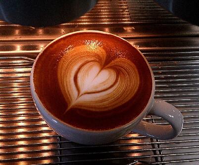 塞纳左岸,塞纳左岸咖啡,咖啡拉花-咖啡拉花操作步骤